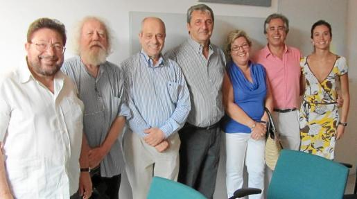Pere Bonnín, Toni Caimari, Tolo Oliver, Toni Pons, Maria Boter, Rogelio Araújo y Antònia Maria Miró.