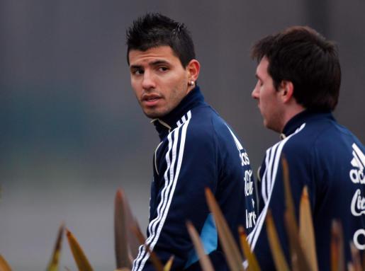 Los jugadores de la selección argenita, Sergio Agüero y Lionel Messi, durante un entrenamiento.