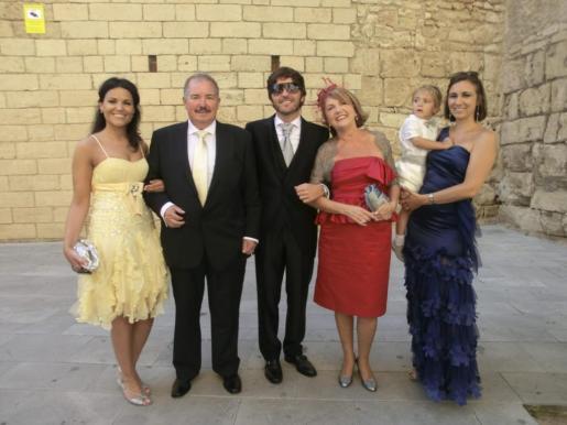 Claudio Cortés, Isabel Montell, Irene Oliver, Felipe Bibiloni, Mateo Oliver y Coloma Estarellas. Foto: Pilar Pellicer