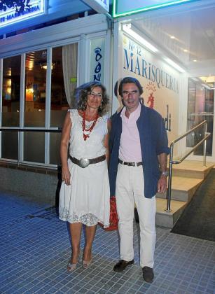 José María Aznar y su esposa.