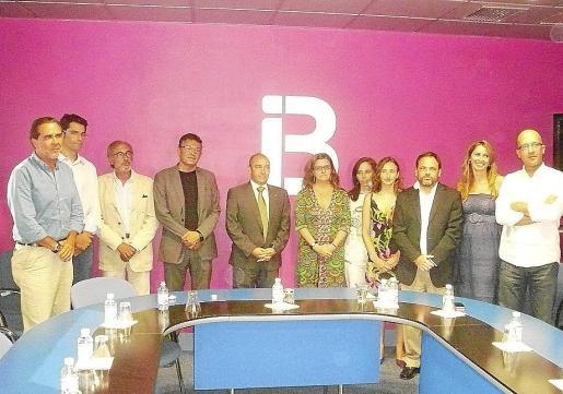 El conseller Antoni Gómez se reunió ayer con los directivos de IB3.
