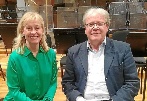 Lisa Larsson y Rolf Martinsson, en la sala de ensayos de la Orquestra Simfònica de les Illes Balears en Sonoteque, Palma.