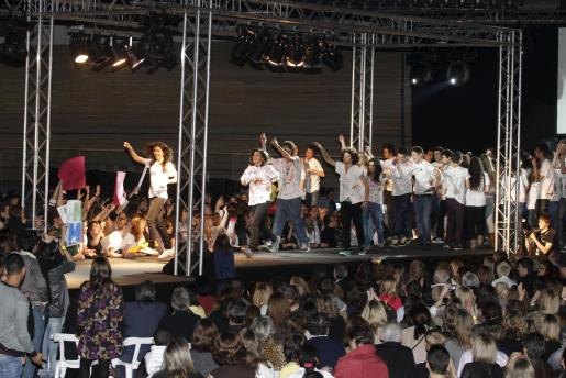 Numeroso público acudió anoche a la cita escolar en el Palma Arena.