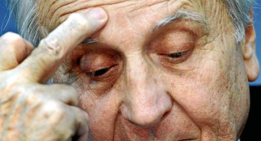 El presidente del BCE, Jean-Claude Trichet, desató la inquietud el pasado viernes al no poder precisar si la entidad compraría bonos.