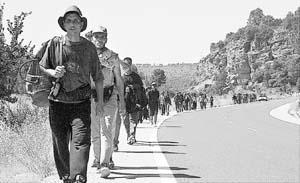 Nuevos integrantes en la marcha a Cuenca.