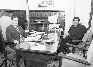 Antonio de Vicente Tutor se reunió ayer con Antonio Torres. Foto: T. AYUGA
