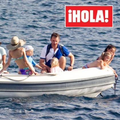 Imagen de la revista 'Hola', en la que podemos ver de espaldas y en bikini a la Princesa de Asturias.