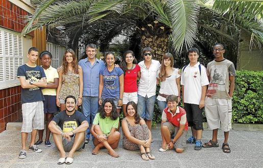 Lluc Riera, Rafael Mas y los tres jóvenes que acompañarán al Papa.