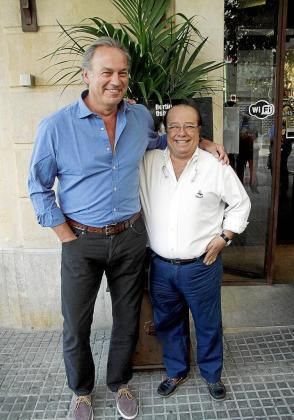Bertín Osborne y Paco Arévalo, ayer, durante la presentación de 'Mellizos'.