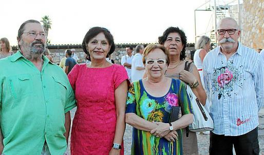 Xavier Llull, Lourdes Ensenyat, Antònia Vidal, Mari Carmen Verd y Tolo Verd.
