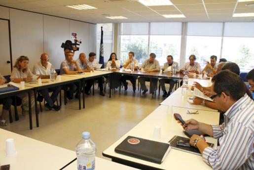 La federación del transporte discrecional seguirá negociando con los trabajadores el 30 de agosto