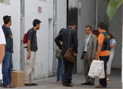 Los fiscales anticorrupción han registrado la empresa que vendió los contenedores a Emaya