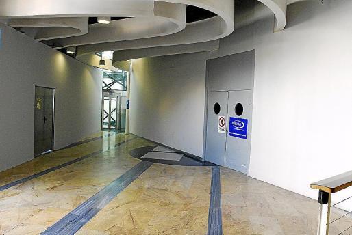 La entrada del nuevo casino está finalizada, sólo queda colocar el mobiliario.