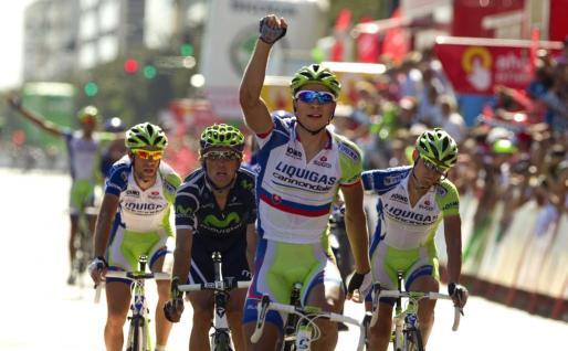 El eslovaco Peter Sagantras proclamarse vencedor de la sexta etapa de la Vuelta a España.