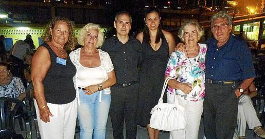 Juana Martínez, Teresa Llull, Carlos Bonnín, Lara Oliver, Juana de Prada y Miguel Bonnín.