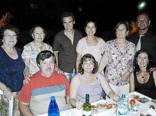 Catalina Bauzà, Antonia Coll, Raúl López, Antonio González, Catalina Roig, Aina Maimó, Gloria Ruiz, Xisca Roig y Pedro Serrador.