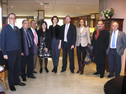 Jacinto Salvador, Luis Carrasco, Joan Trobat, Josefina Ramis, Isabel Oliver, Santiago Florit, Susanna Sciacovelli, Alfonso Moll y Arturo Sintes.