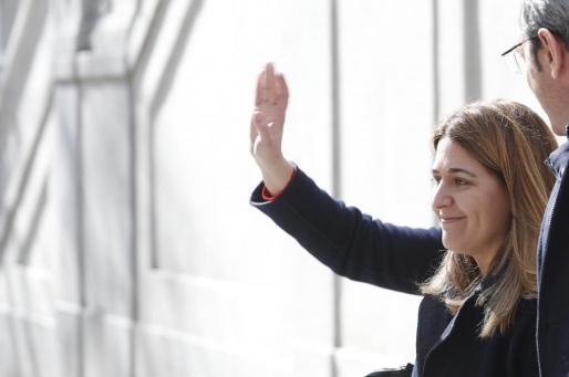 La dirigente de PDeCat, a su salida del Tribunal Supremo donde ha comparecido ante el juez del caso del 'procés' hacia la independencia, Pablo Llarena.