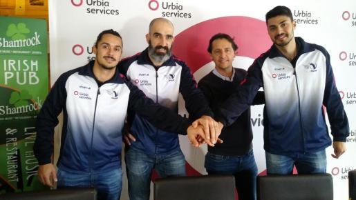 Alejandro Fernández, Marcos Dreyer, el director general de Urbia Services, Tomeu Colom, y Jorge Fernández