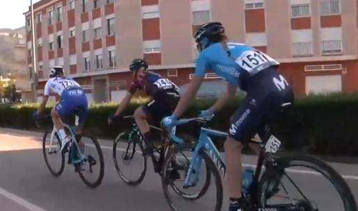 Imagen de la mallorquina Mavi García durante un momento de la primera etapa de la Setmana Ciclista Valenciana.