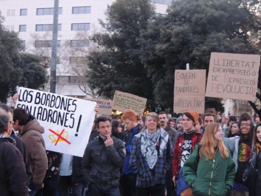 concentración en Barcelona en favor de la libertad del rapero mallorquín Valtonyc.