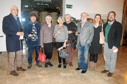 Eduardo Basigalup, Jorge Ulanovsky, Nelly Venturelly, Gloria Labanca, Dionisio Pirri, Carlos Salto, Reyes García-Miralles y Joan Benejam.
