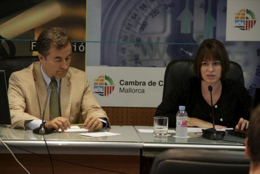 El presidente de la Cámara de Comercio de Mallorca, Joan Gual, durante la rueda de prensa ofrecida por la entidad esta mañana.