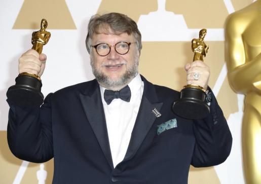 Guillermo del Toro, con los galardones de mejor director y mejor película.