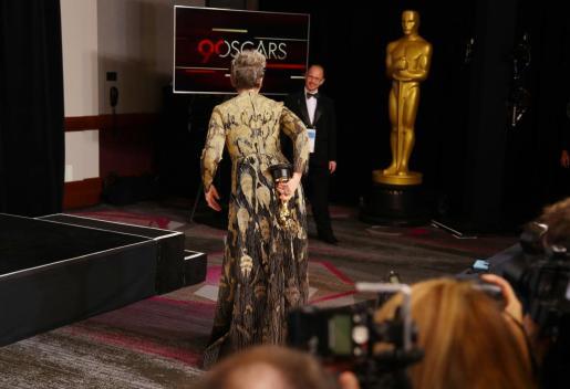 Frances McDormand tras recibir el Oscar.