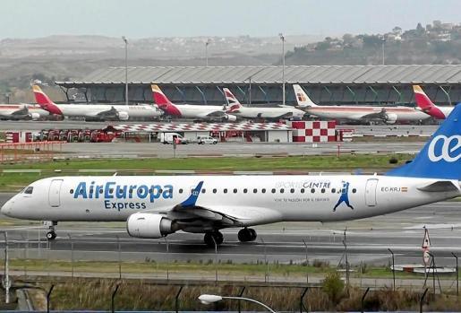 Todas las aerolíneas españolas y las de bajo coste europeas han entrado en una guerra de precios para conseguir captar la mayor cuota de mercado para el próximo verano en Mallorca, que es la isla más demandada en el mercado español.