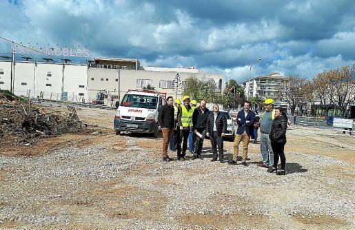 Las autoridades visitaron este lunes la nueva estación de buses en la entrada de la ciudad.