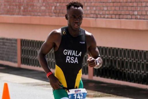Mhlengi Gwala durante un entrenamiento.