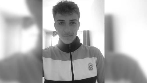 «El Tours FC está destruido ante este drama, que sumerge al club en una inmensa tristeza», dijo la entidad en un comunicado.