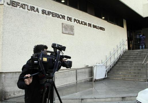 Imagen de la fachada de la Jefatura Superior de Policía.