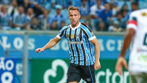El Barcelona anuncia el fichaje del brasileño Arthur