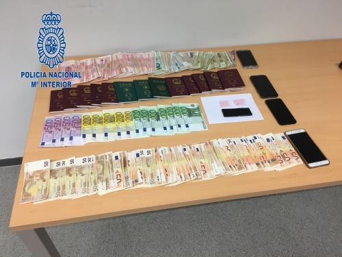 Cinco detenidos en Ibiza en un golpe policial contra el tráfico de personas.