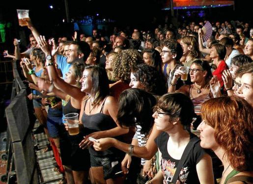 Las tradicionales celebraciones veraniegas mallorquinas, la famosas verbenas, van ligadas al consumo de alcohol, que ponto estará mucho más regulado.