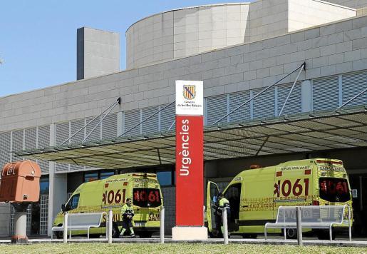 El hospital de Son Llàtzer facturó el año pasado 2,1 millones de euros por la atención a los turistas que viajan con tarjeta sanitaria europea.