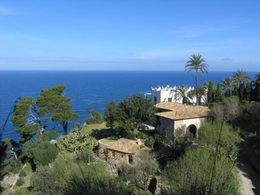 Vista general de s'Estaca, con el Mediterráneo al fondo.