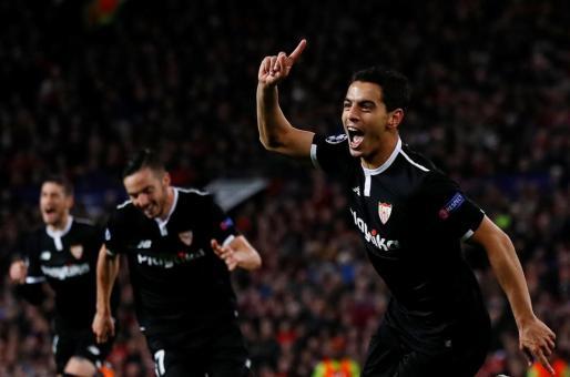 Wissam Ben Yedder celebra su gol ante el Manchester United.