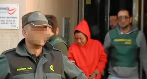 Ana Julia Quezada, autora confesa de la muerte del niño Gabriel Cruz, custodiada por la Guardia Civil.