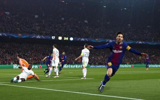 El delantero argentino Leo Messi celebra el tercer gol del equipo blaugrana durante el partido correspondiente a la vuelta de octavos de final frente al Chelsea.