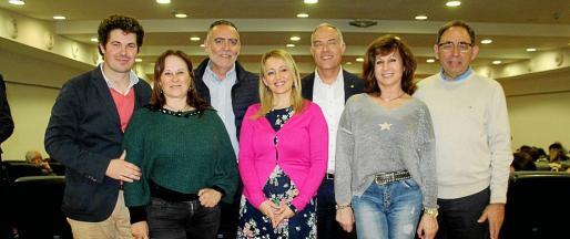 Guillermo García, Marga San José, Joan Sastre, Aina Delgado, el director del Ágora Portals, Rafael Barea; Rosa Ruesga y Gabriel Riera, presidente del Rotary Club Palma Almudaina.