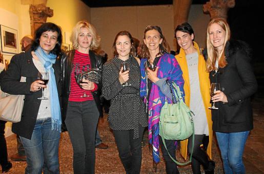 Isabel Gomis, Andrieu Sandrine, Angie Buades, Sandra Lomakine, Roo Vega y Elena García.