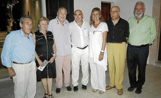 Pedro Iriondo, Magdalena Martínez, Pep Sans, Joan Bennàssar, Miquela Vidal, Bartolomé Bruguera y Tomàs Horrach.