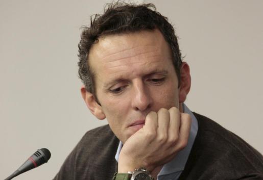 El periodista Joaquín Prat durante la presentación de un libro en Palma.