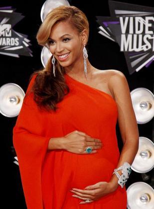 Beyoncé, durante la entrega de los premios MTV, donde anunció su embarazo.
