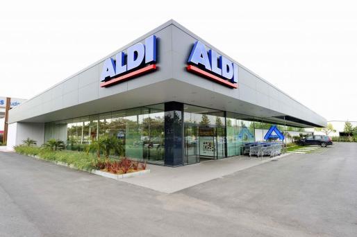 La cadena Aldi incrementa su peso específico en Calvià con la reformada tienda.