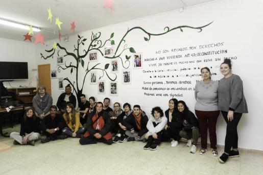 El proyecto 'el árbol de los derechos' fue realizado por una treintena de participantes.