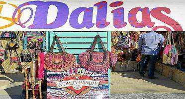 Una imagen de archivo del mercadillo de Las Dalias.